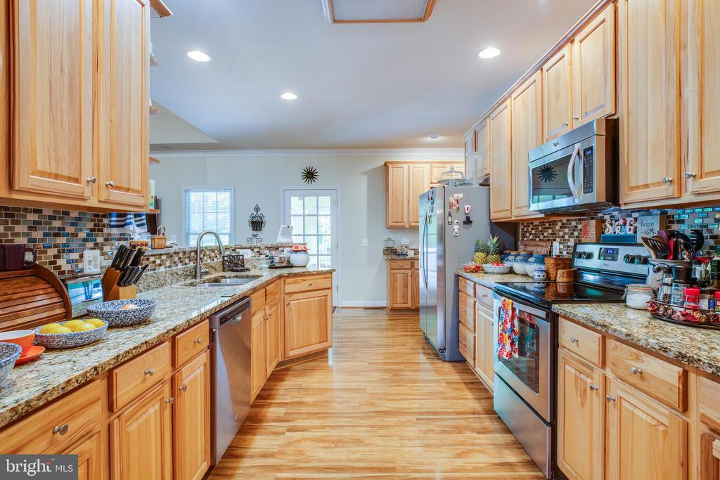 Kitchen with Stainless Appliances - 96 CASCADE LN, FREDERICKSBURG