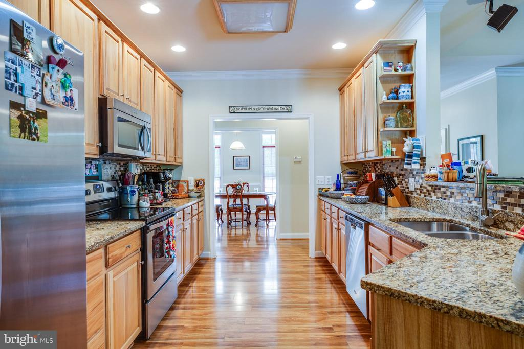 Kitchen with Granite Counters - 96 CASCADE LN, FREDERICKSBURG