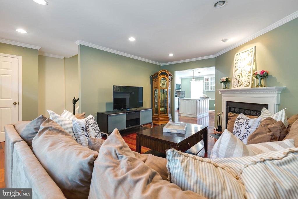 Living Room - 5904 AMBASSADOR WAY, ALEXANDRIA