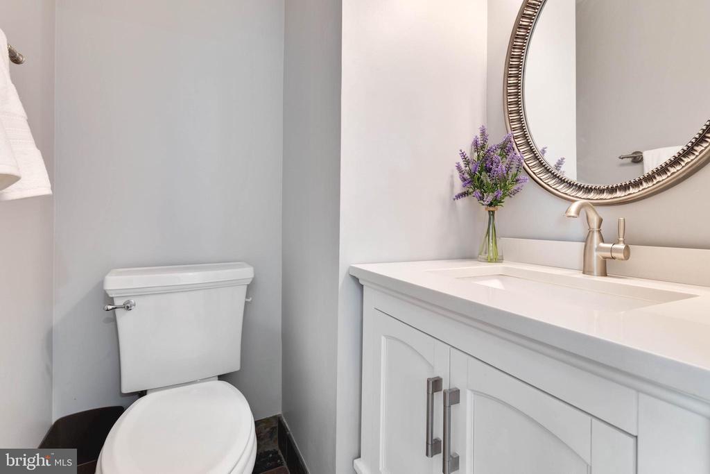 Main level Half Bathroom - 5904 AMBASSADOR WAY, ALEXANDRIA