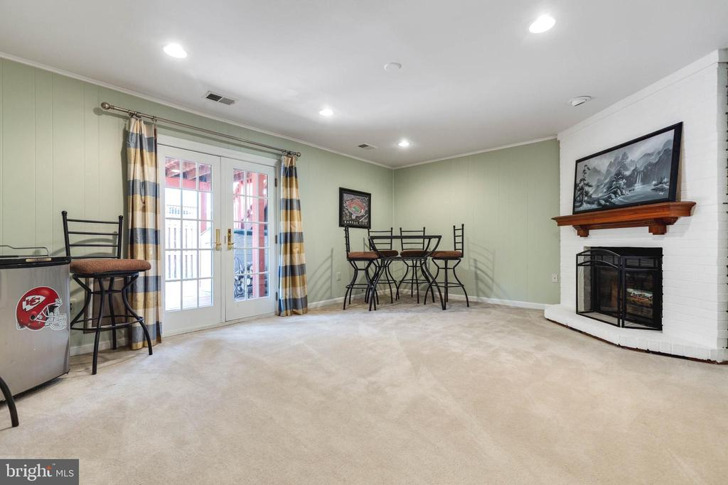 Walk-out Basement with French doors to Deck - 5904 AMBASSADOR WAY, ALEXANDRIA