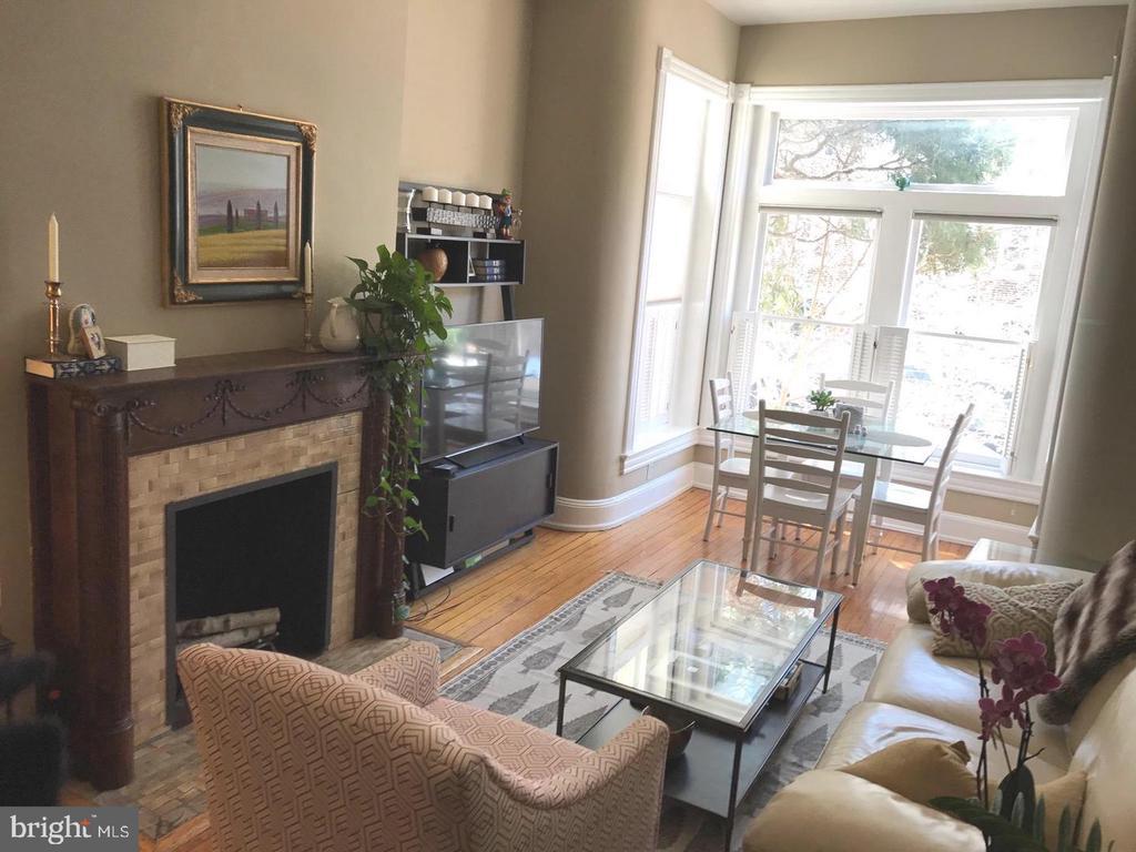 Bright Living/Dining Room - 2115 N ST NW #1, WASHINGTON
