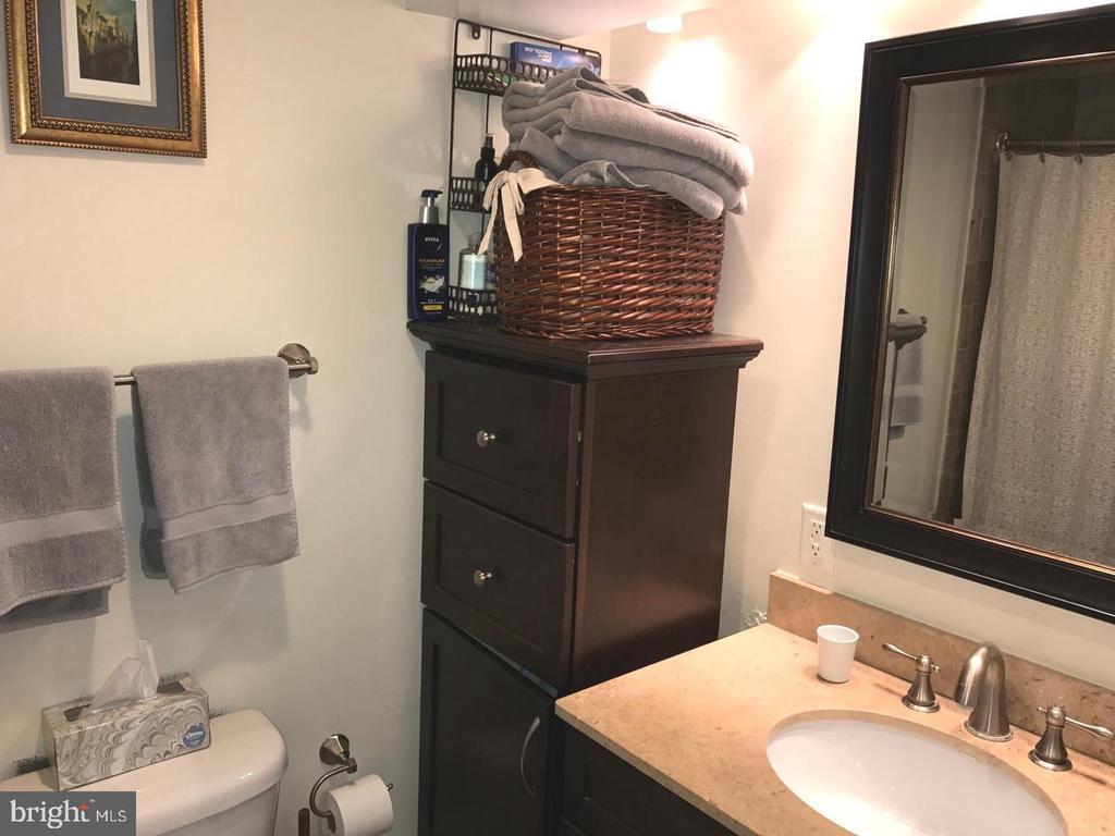 Bathroom - 2115 N ST NW #1, WASHINGTON