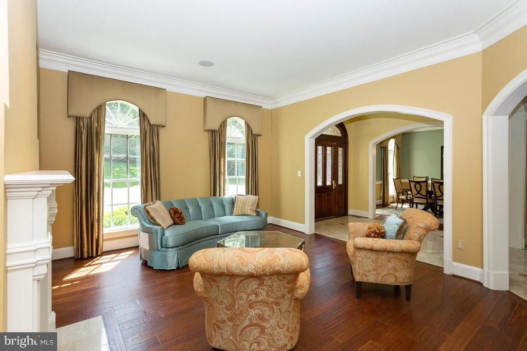 Living Room - 1105 LEIGH MILL RD, GREAT FALLS