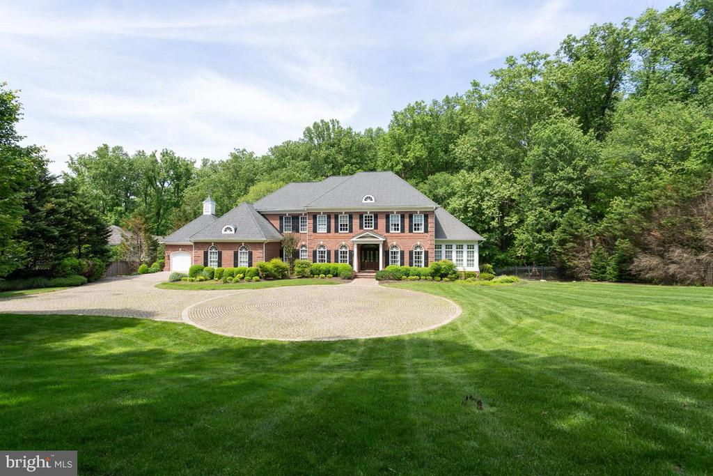 Gorgeous Estate Home! - 1105 LEIGH MILL RD, GREAT FALLS