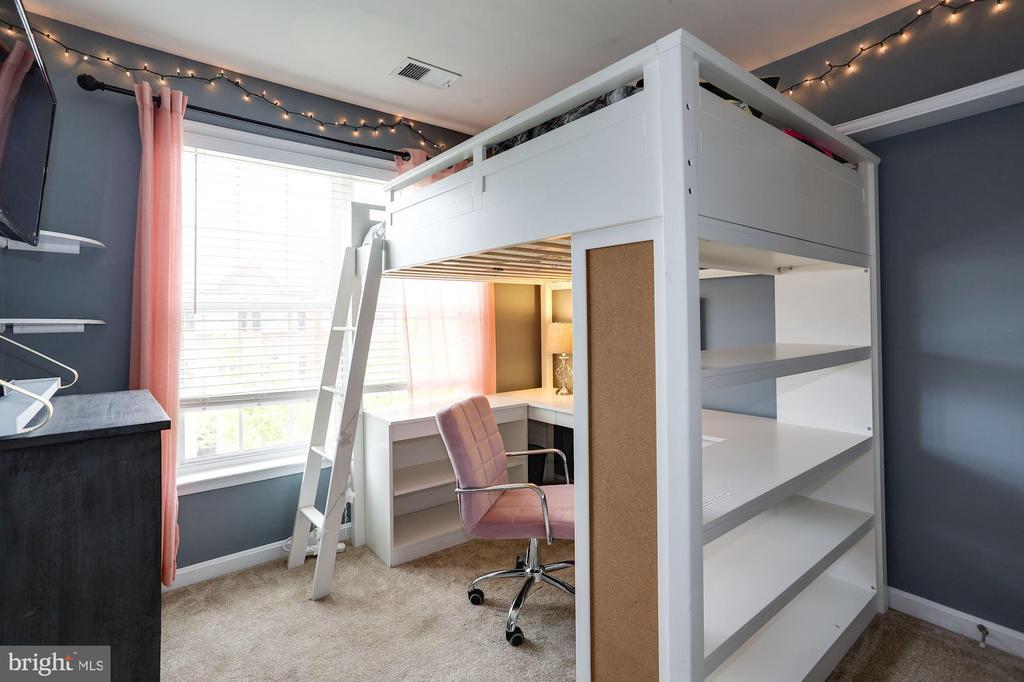 Bedroom 2 - 8902 SINGLELEAF CIR, LORTON