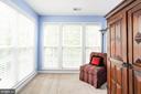 Master bedroom sitting area - 8902 SINGLELEAF CIR, LORTON