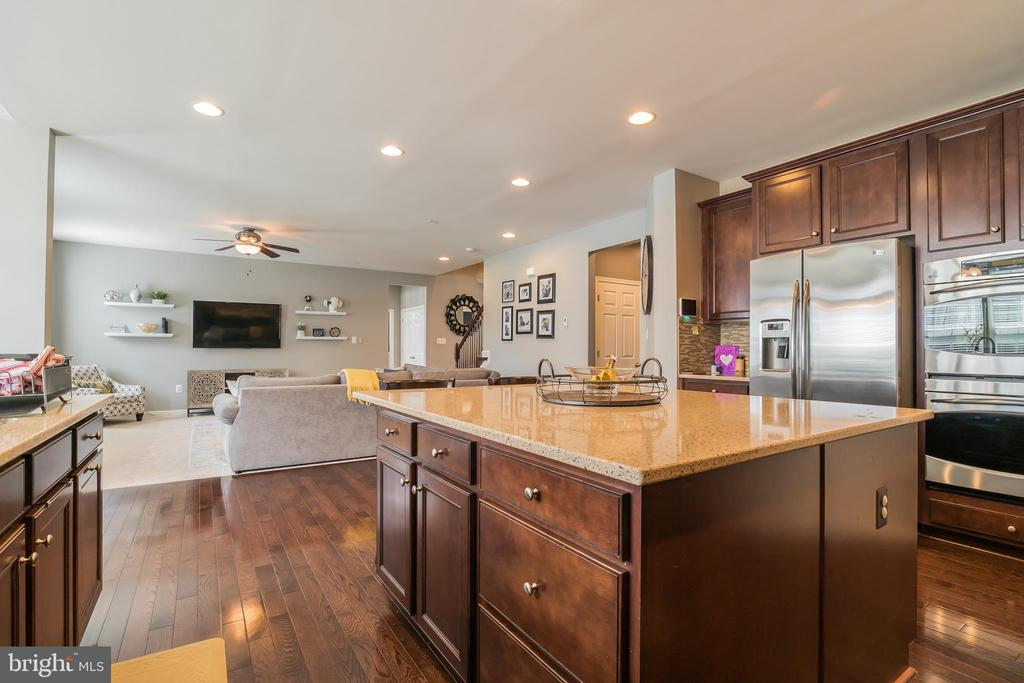 A Lot of counter space to work with - 42365 WINSBURY WEST PLACE, STERLING
