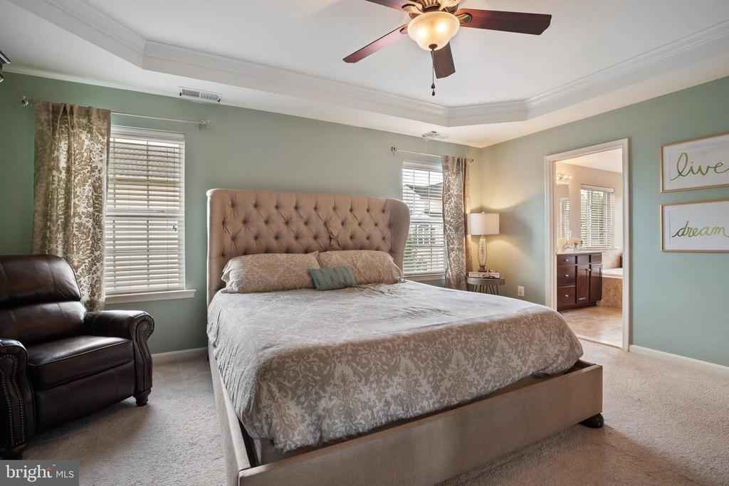 Many Possibilities to set your Bed!! - 42365 WINSBURY WEST PLACE, STERLING
