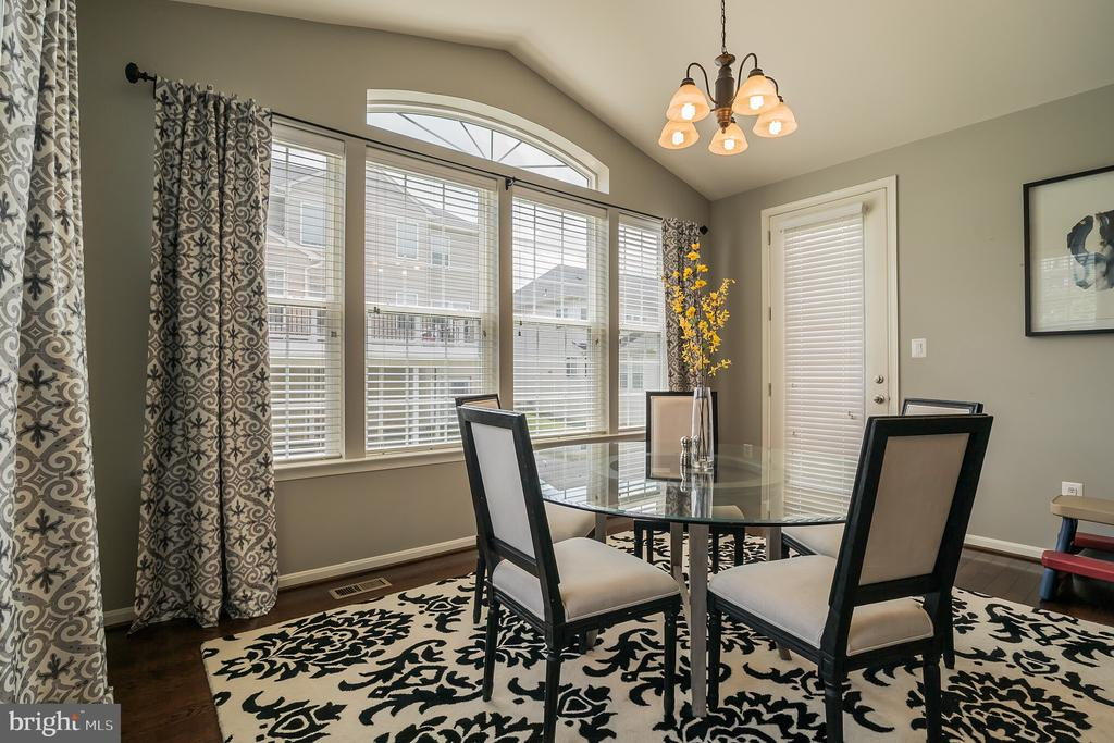 Palladian WIndows in Sunroom Extention - 42365 WINSBURY WEST PLACE, STERLING