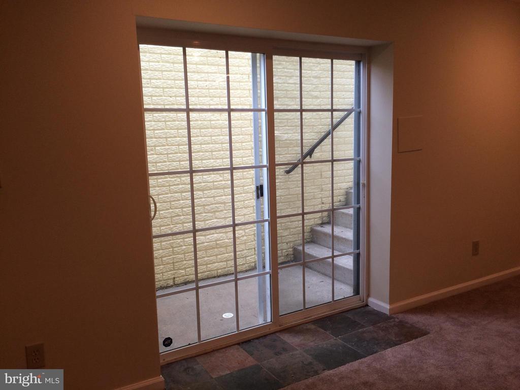 Basement walk-out sliding door - 12302 HUNGERFORD MANOR CT, MONROVIA