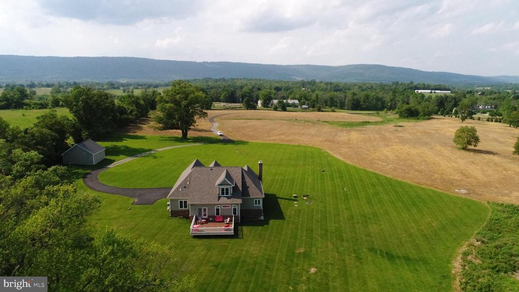 Aerial Shot Property Mountain Views - 21562 GREENGARDEN RD, UPPERVILLE