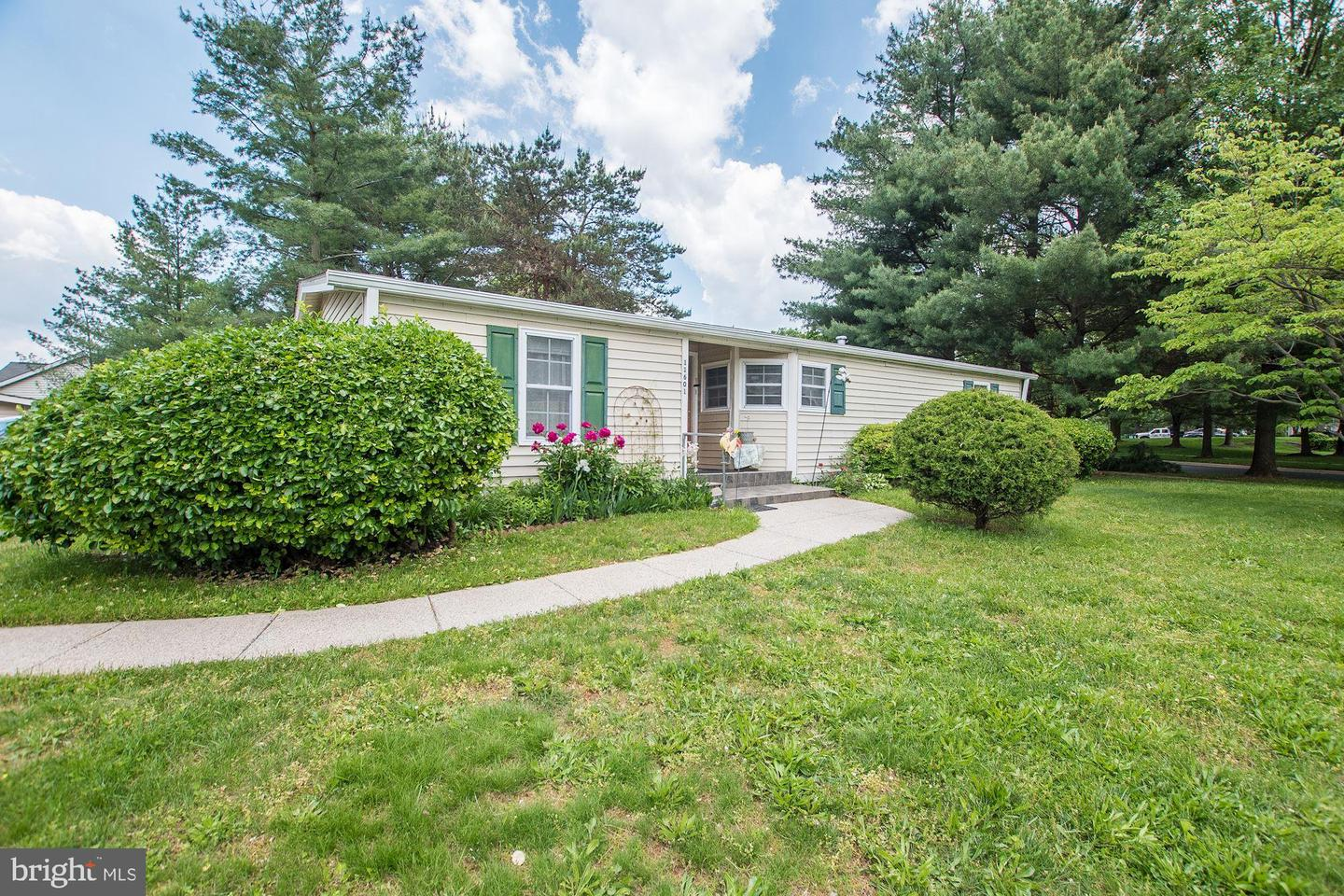 Single Family for Sale at 11601 Hourglass Way 11601 Hourglass Way Germantown, Maryland 20876 United States