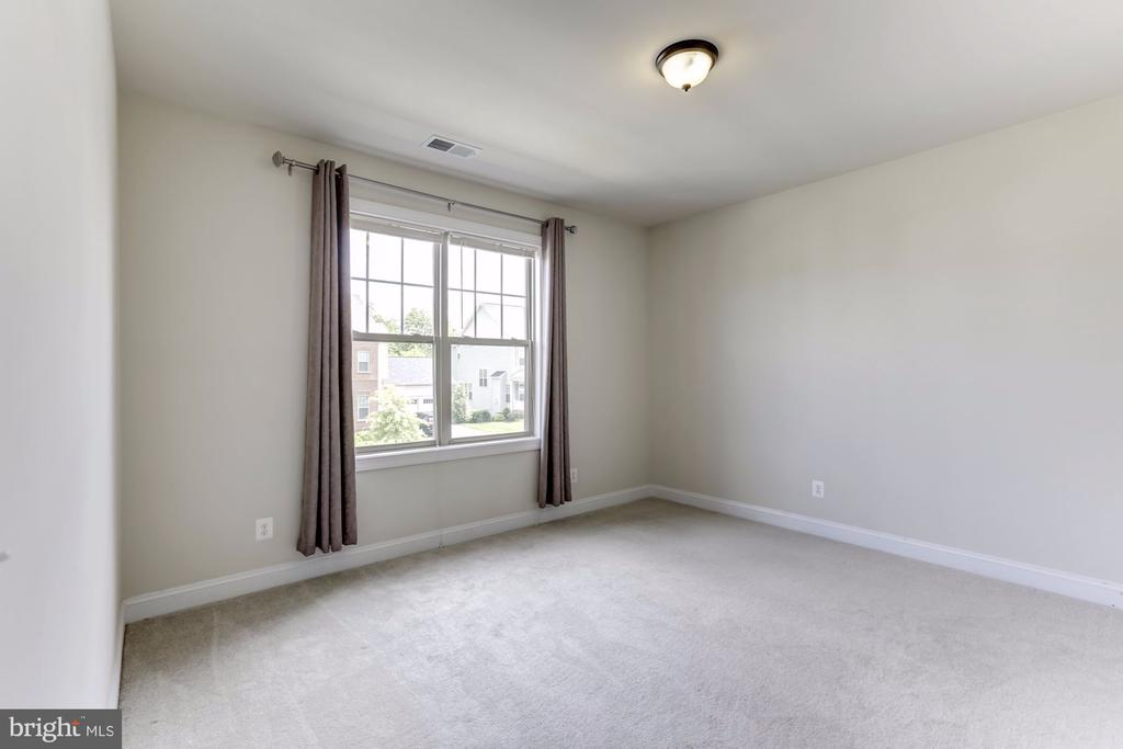 Bedroom #4 - 43800 GRANTNER PL, ASHBURN