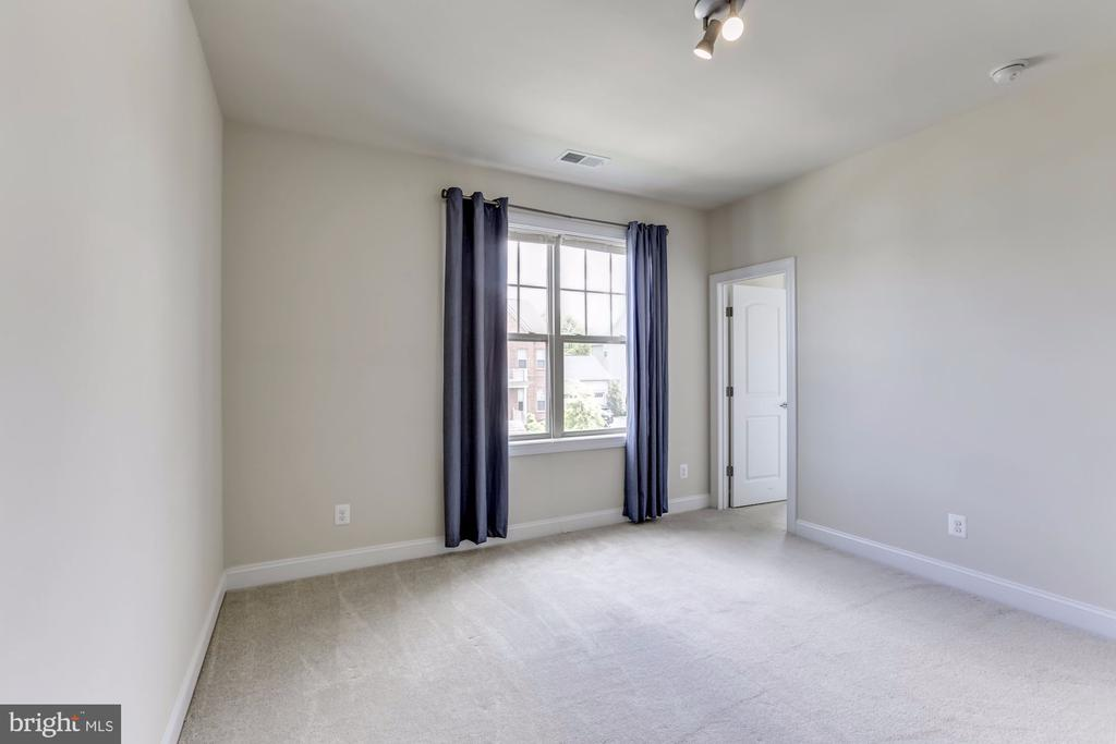 Bedroom #3 - 43800 GRANTNER PL, ASHBURN