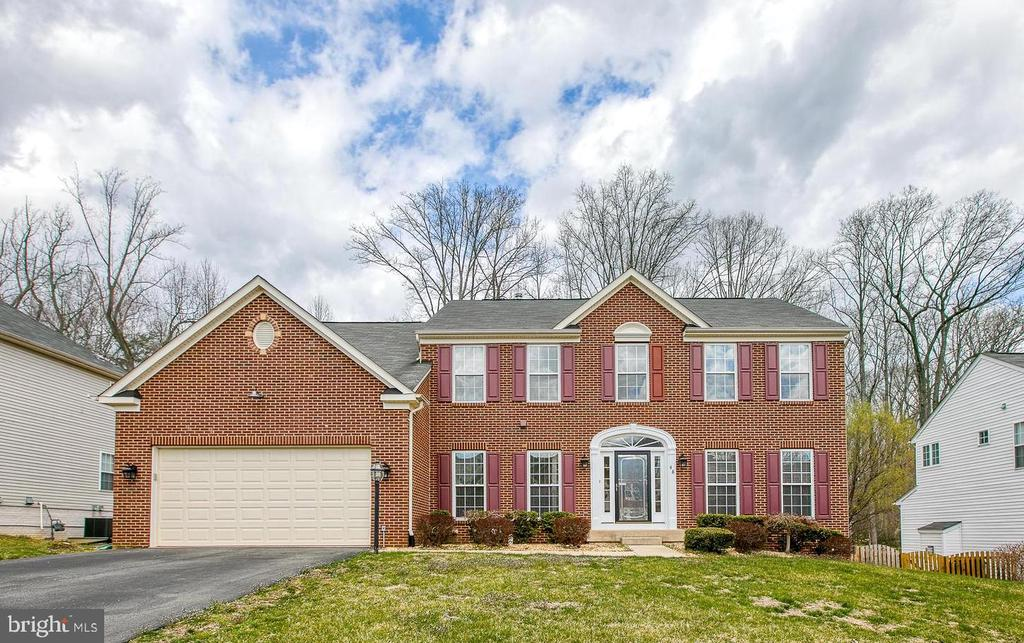 Welcome to 48 Nugent Drive ! - 48 NUGENT DR, STAFFORD