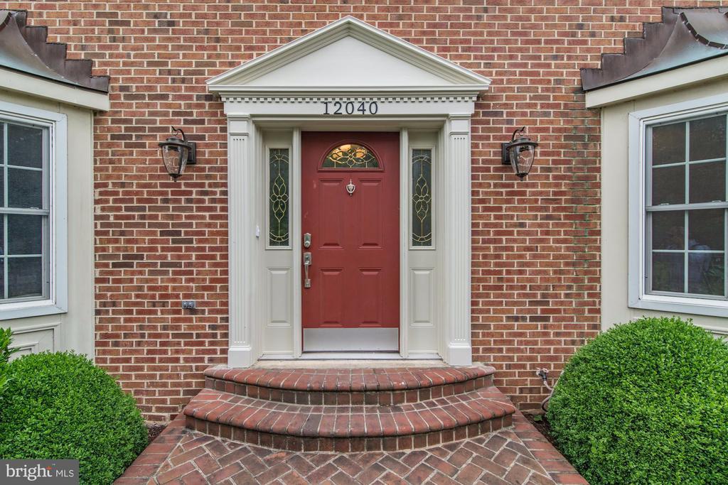 Welcoming Front Door - 12040 SUGARLAND VALLEY DR, HERNDON