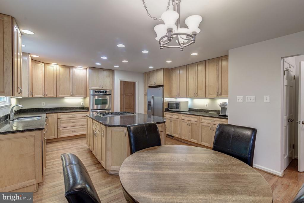 Kitchen -Recessed Lighting - 12040 SUGARLAND VALLEY DR, HERNDON