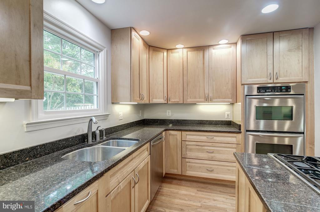 Window over Double Stainless Steel Sink - 12040 SUGARLAND VALLEY DR, HERNDON