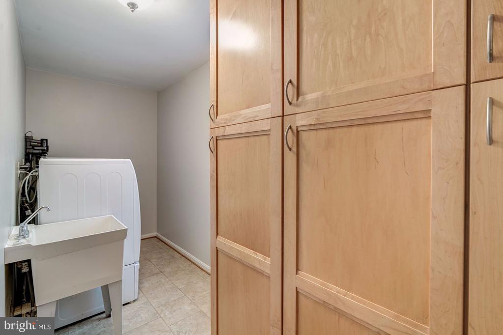 Spacious Pantry Cabinets, Adjacent Laundry Room - 12040 SUGARLAND VALLEY DR, HERNDON
