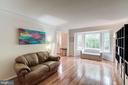 Living Room - 12040 SUGARLAND VALLEY DR, HERNDON