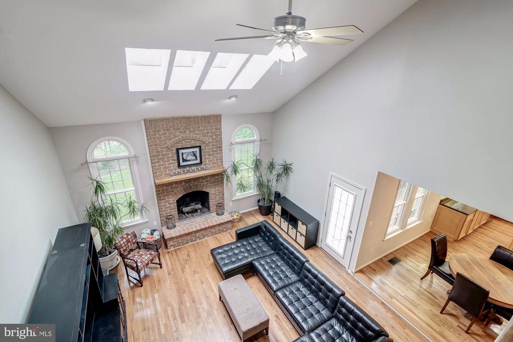 View of Family Room from 2nd Floor Overlook - 12040 SUGARLAND VALLEY DR, HERNDON