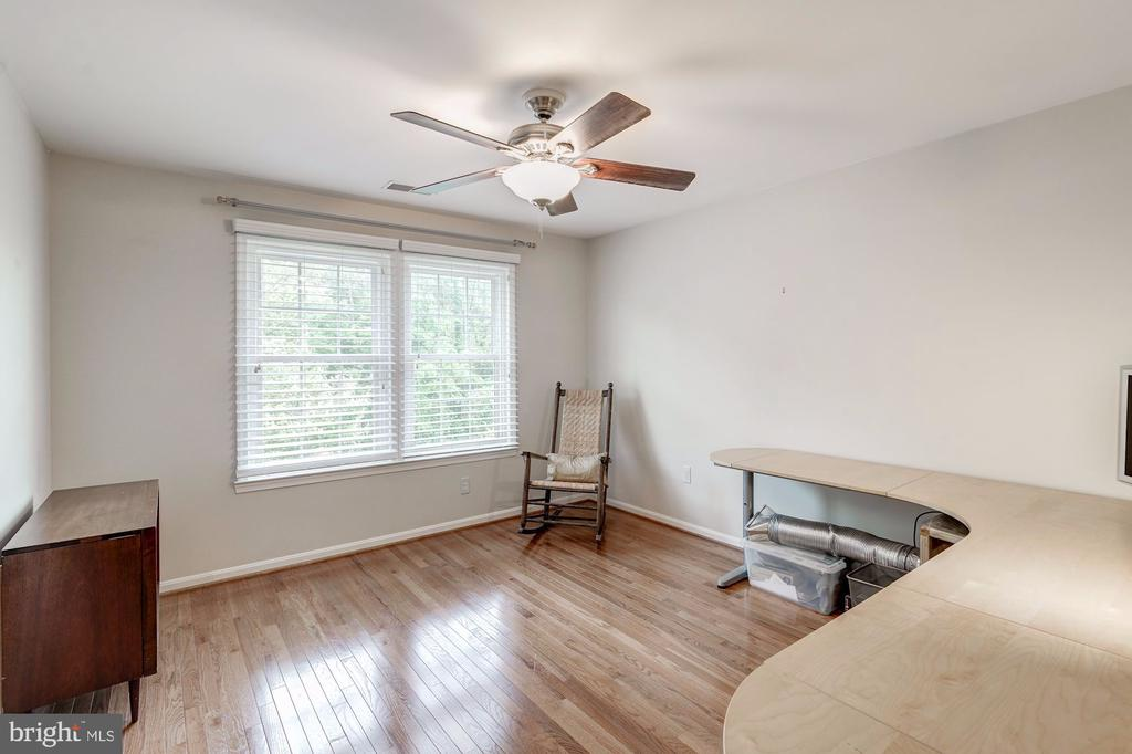 Bedroom #4  w/ Ceiling Fan - 12040 SUGARLAND VALLEY DR, HERNDON