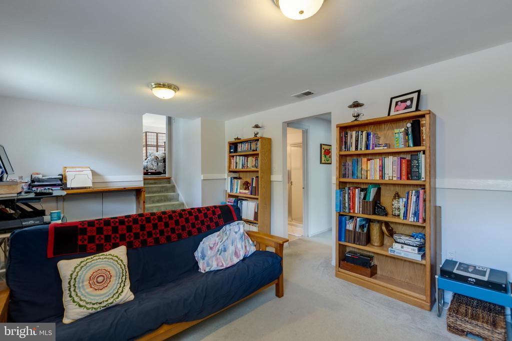 Recreation/family room - 4409 1ST PL S, ARLINGTON