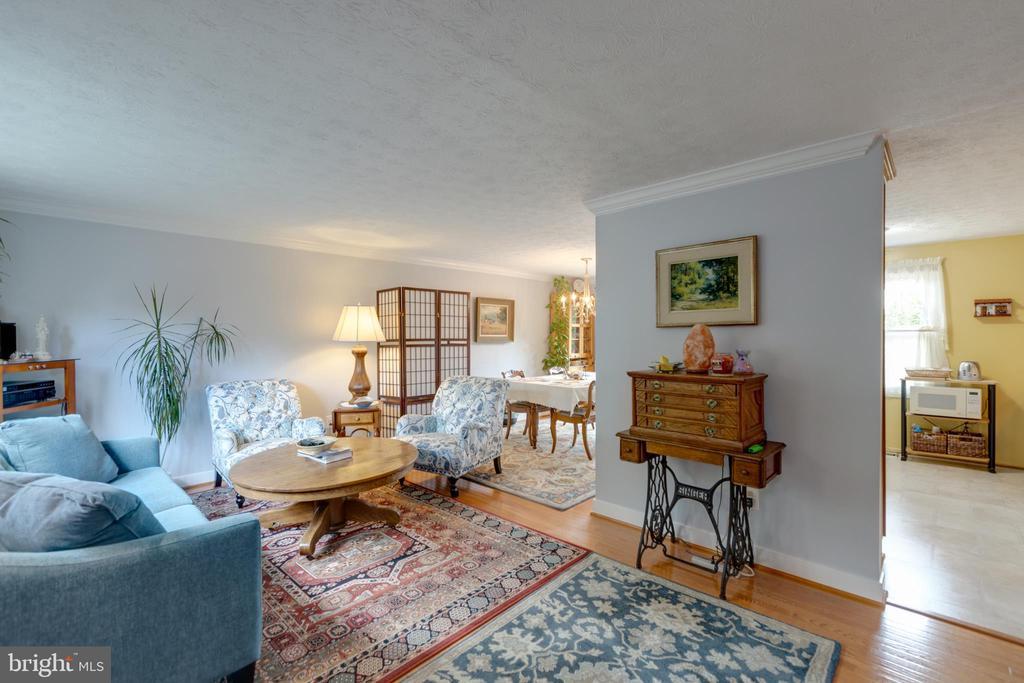 Living room general - 4409 1ST PL S, ARLINGTON