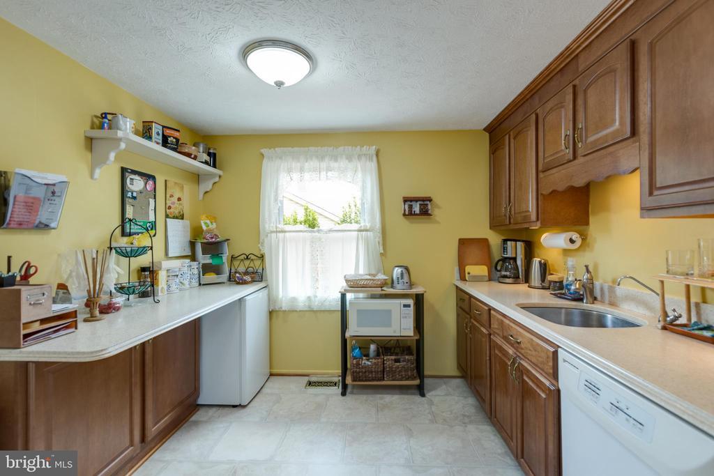 Kitchen general view - 4409 1ST PL S, ARLINGTON