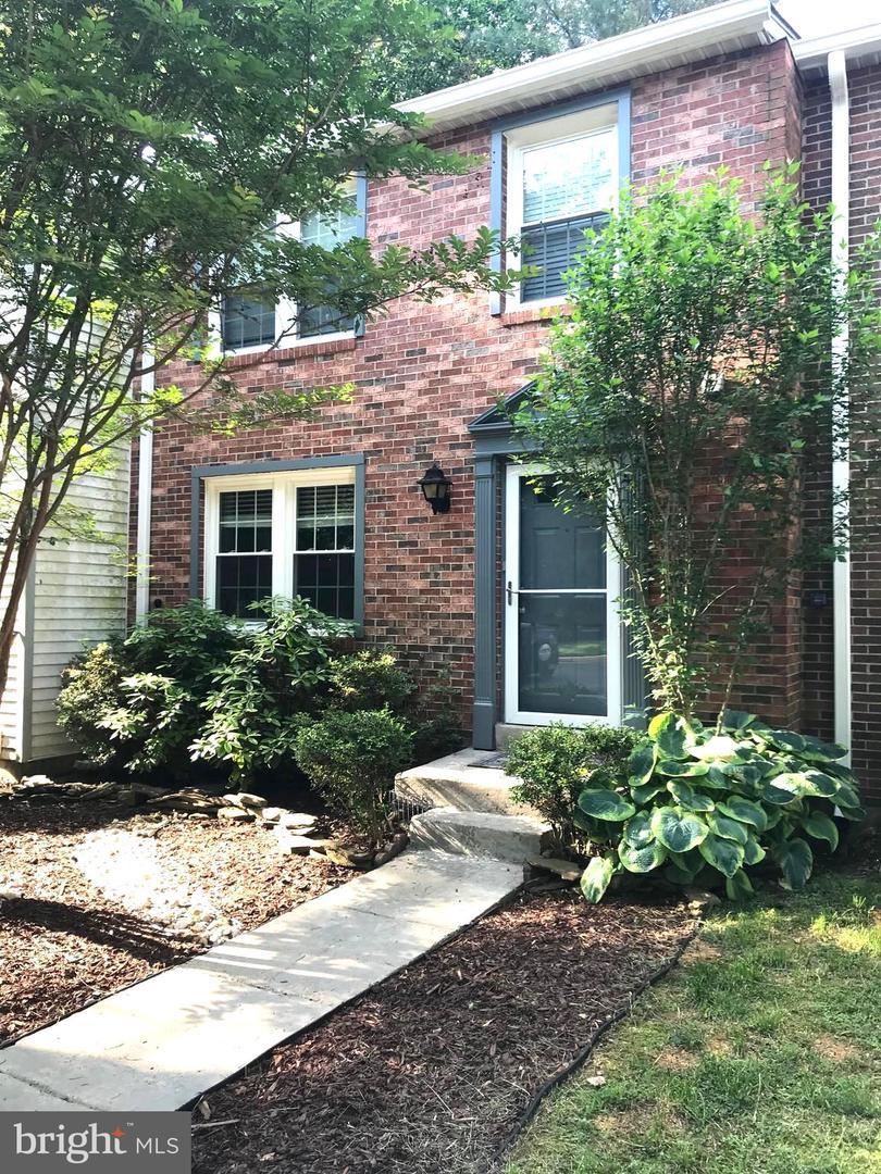 Single Family for Sale at 11523 Underoak Ct Reston, Virginia 20191 United States