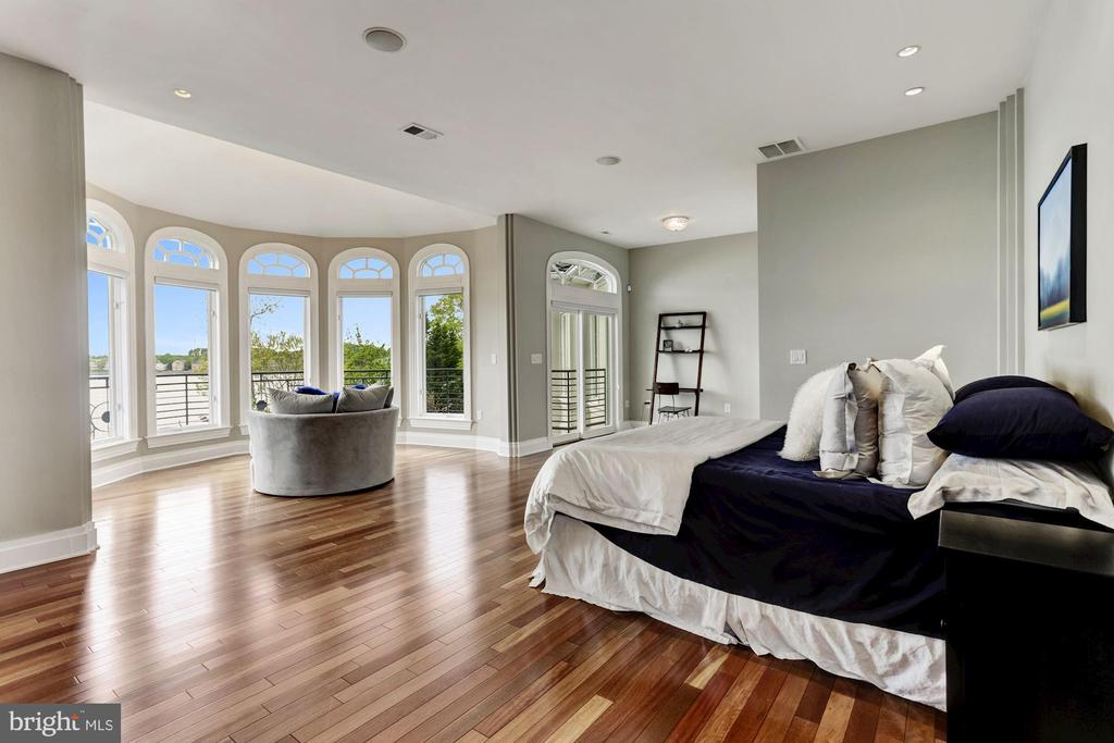 Endless waterviews from master bedroom - 3 DEEPWATER CT, EDGEWATER