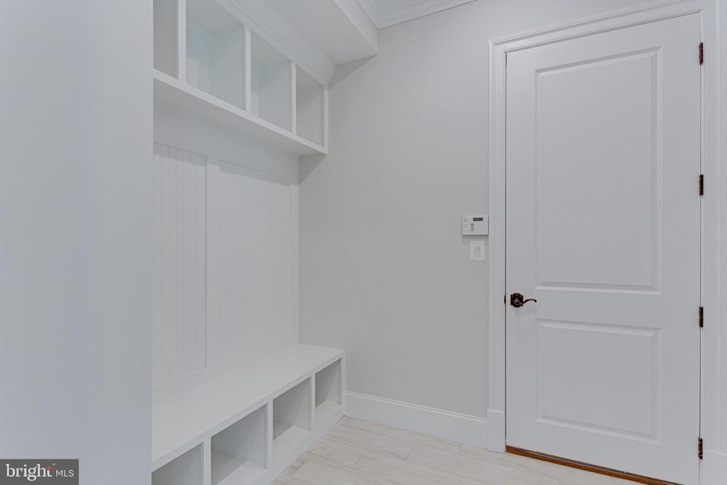 Mudroom - 7104 EASTMAN DR, FALLS CHURCH