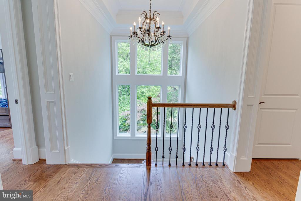 Upper Level - 7104 EASTMAN DR, FALLS CHURCH