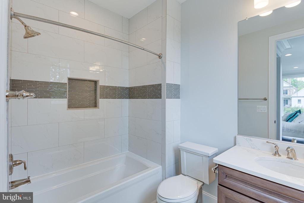Bathroom - 7104 EASTMAN DR, FALLS CHURCH
