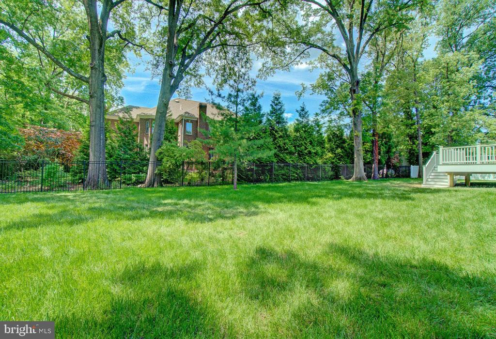 Home is sited on a 1/2 acre lot - 1922 BYRD RD, VIENNA