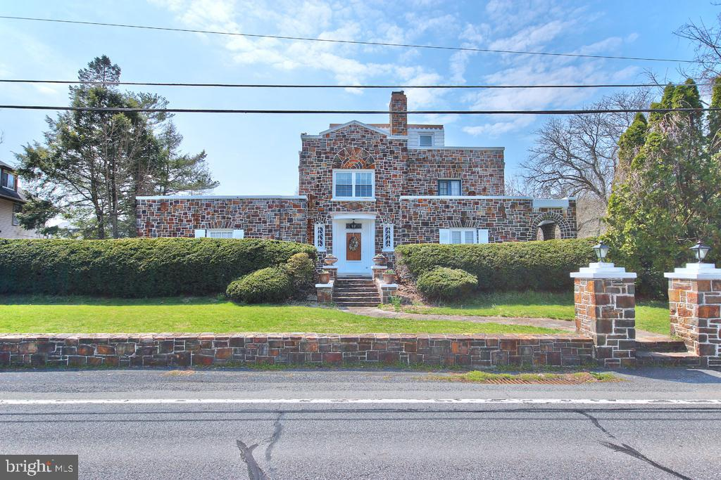 Multi Family for Sale at Easton, Pennsylvania 18042 United States