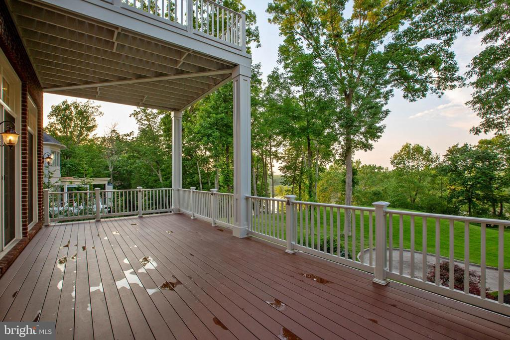 Main Level Deck off of Family Room - 18184 SHINNIECOCK HILLS PL, LEESBURG