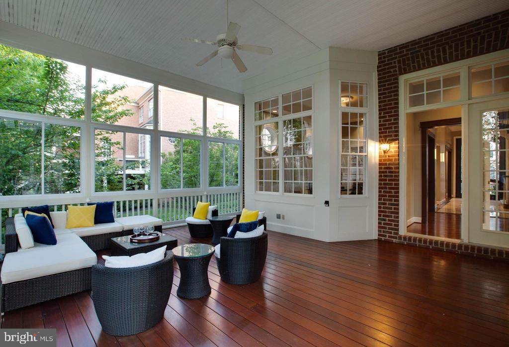 Rear Fully Covered Glass Enclosed Porch - 18184 SHINNIECOCK HILLS PL, LEESBURG