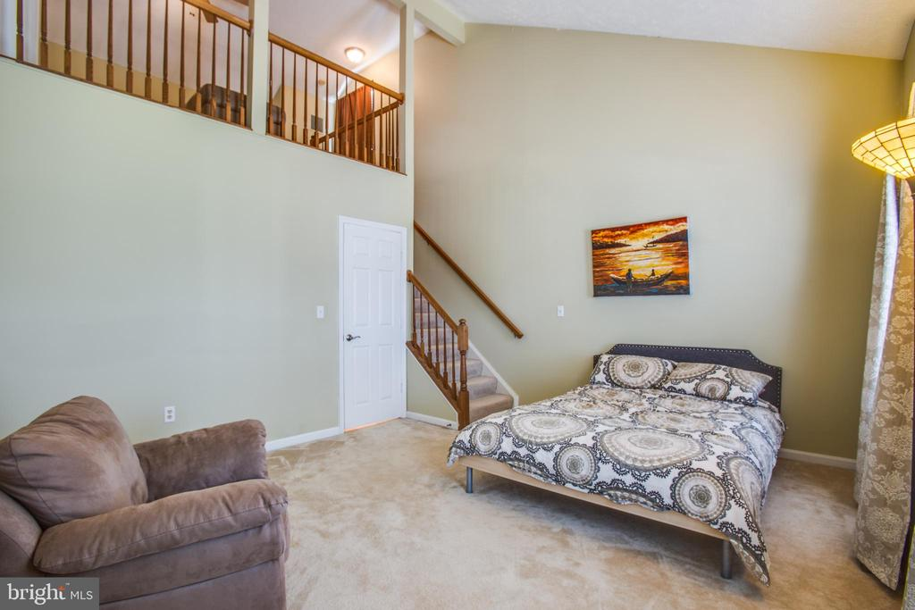 Wow ! Loft off the master bedroom - 400 WATERS COVE CT, STAFFORD