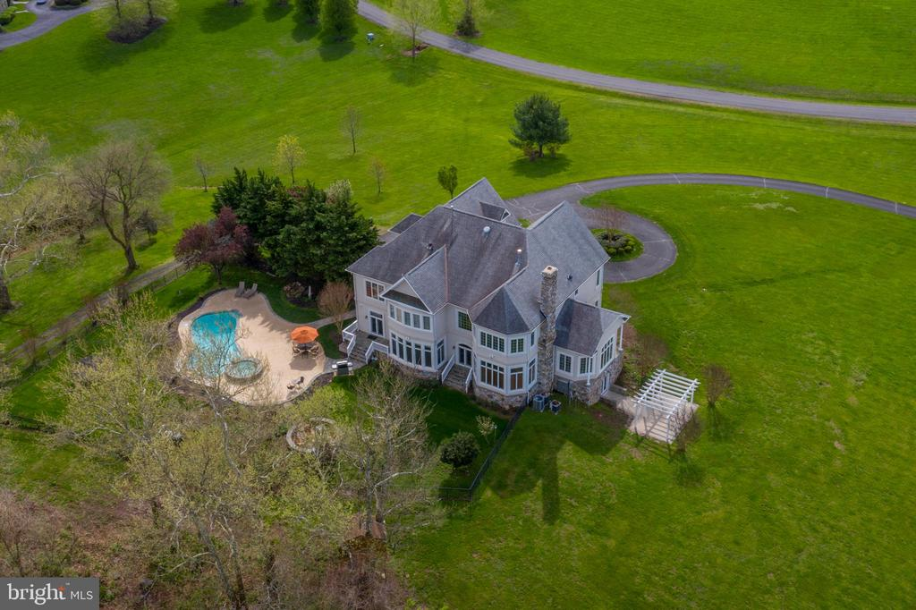 Gorgeous 10-Acre property with Trout Stream & Pool - 17160 SPRING CREEK LN, LEESBURG