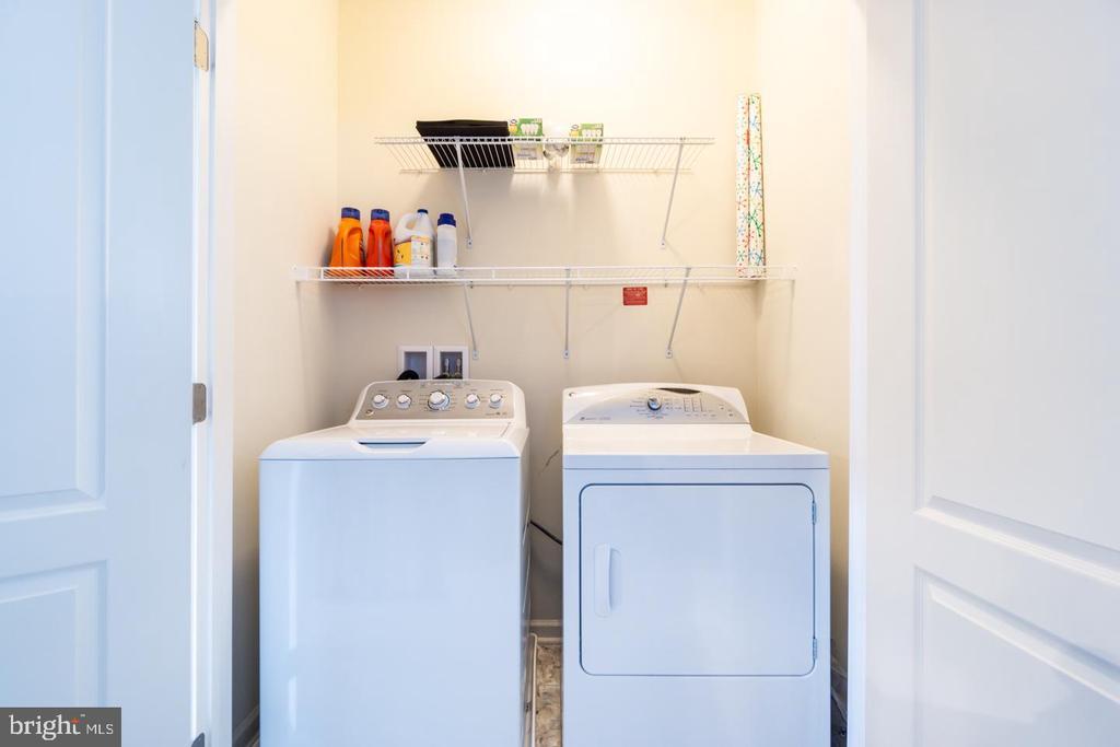 Upstairs Laundry - 43174 WEALDSTONE TERRACE, ASHBURN