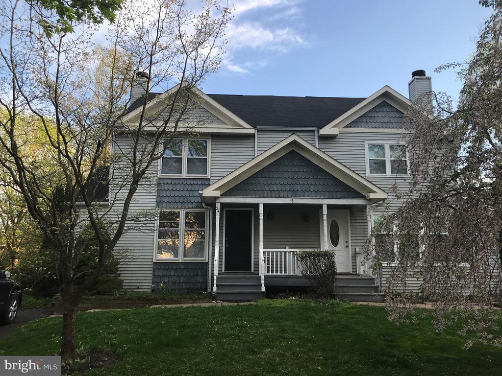 34 STACEY DR, Doylestown PA 18901