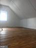 Super spacious attic bedroom - 1831 UPSHUR ST NE, WASHINGTON
