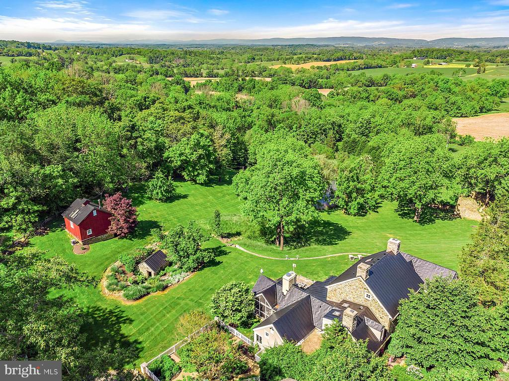 Aerial View of High Point - 39455 DIGGES VALLEY RD, HAMILTON