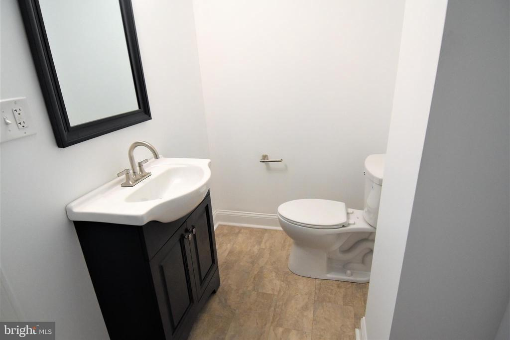 Another Beautiful Full Bath in the  Basement - 9736 53RD AVE, COLLEGE PARK