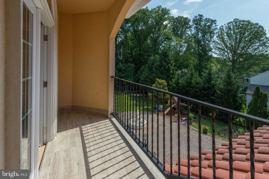 Balcony - 5315 OX RD, FAIRFAX