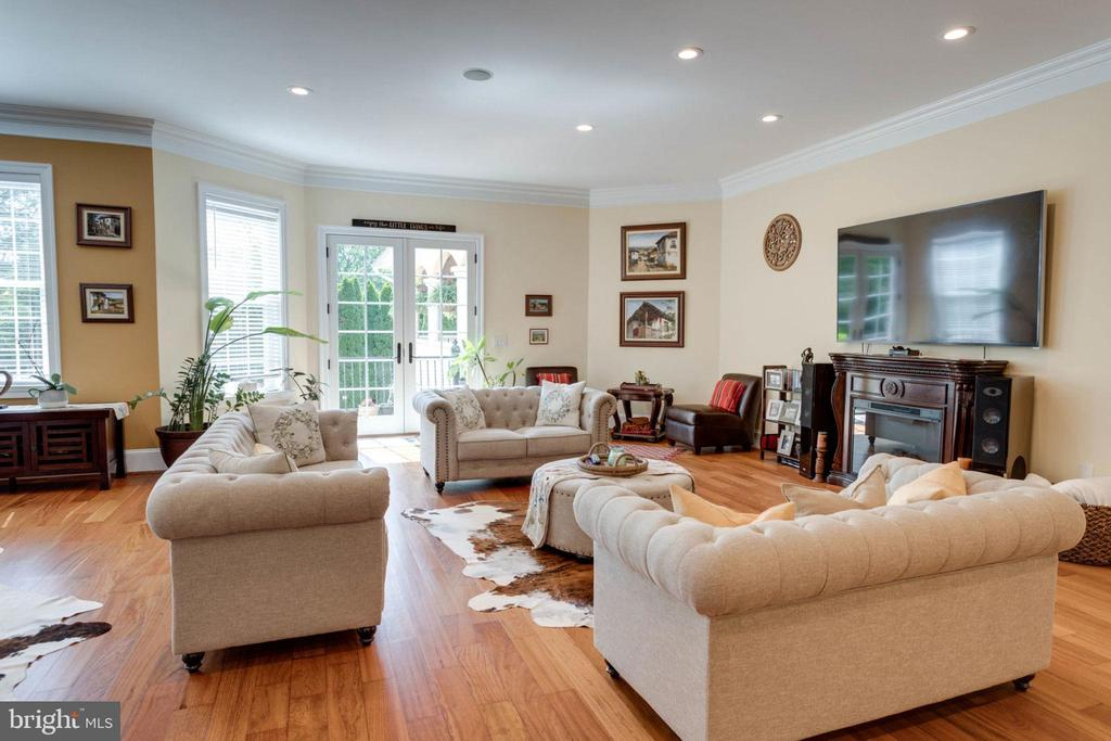 Family Room - 5315 OX RD, FAIRFAX