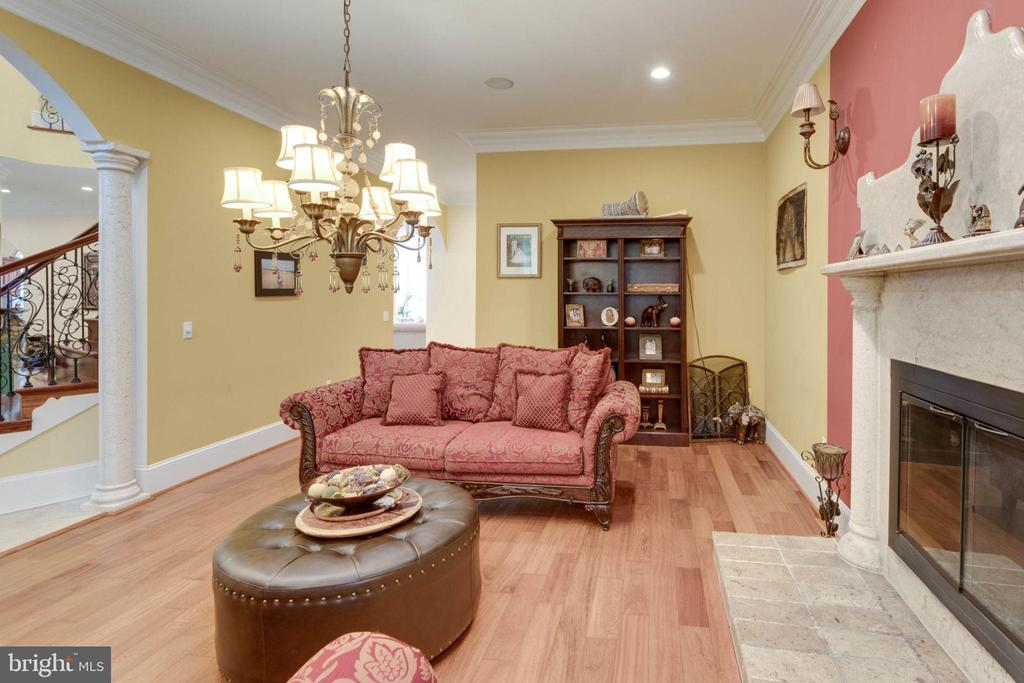 Living Room - 5315 OX RD, FAIRFAX