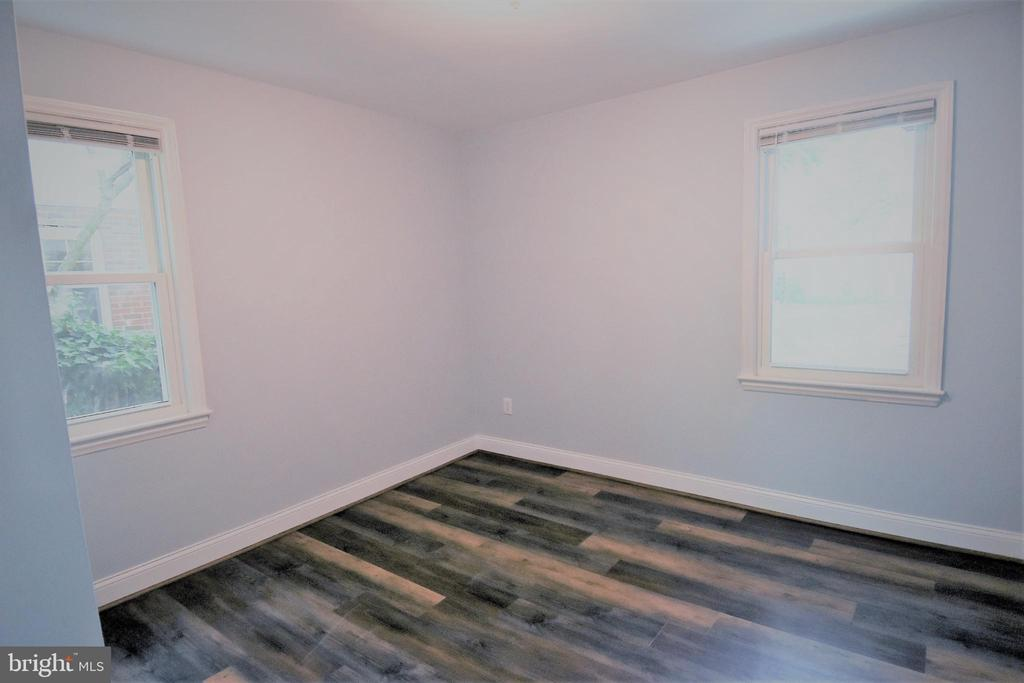 Adjacent To Hall Bath - 9736 53RD AVE, COLLEGE PARK